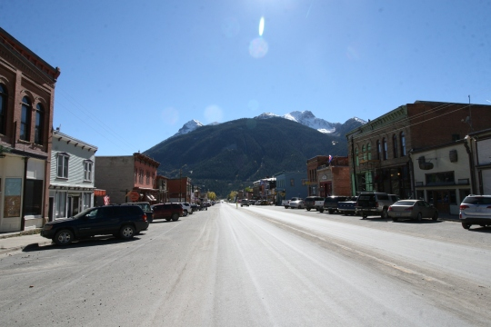 Historic Silverton, CO: the side street that parallels this main street is a dirt road equipped with hitching posts to tie up your horse outside the businesses. Dogs are welcomed in this town by water dishes on the sidewalks outside most establishments.