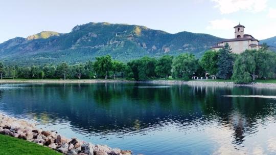 20 Broadmoor